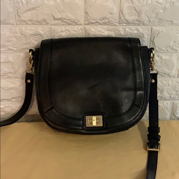 Brahmin Handbags - BRAHMIN BLACK LEATHER CROSSBODY
